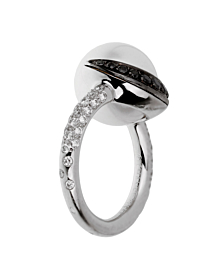 Chanel White Black Diamond Pearl Platinum Ring