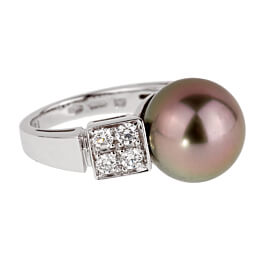 Bulgari Lucea Pearl White Gold Diamond Ring