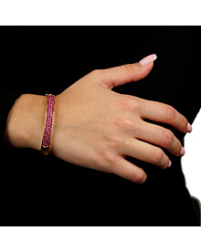Van Cleef and Arpels Pink Sapphire Rose Gold Bangle